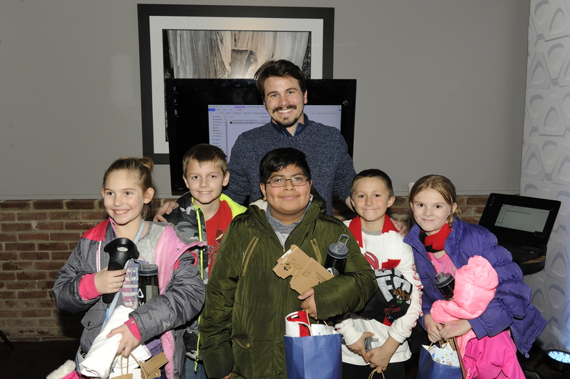 Jason Ritter at VR ON THE MOUNTAIN hanging out with kids from Boys & Girls Club of Utah, Big Brothers, and Big Sisters.