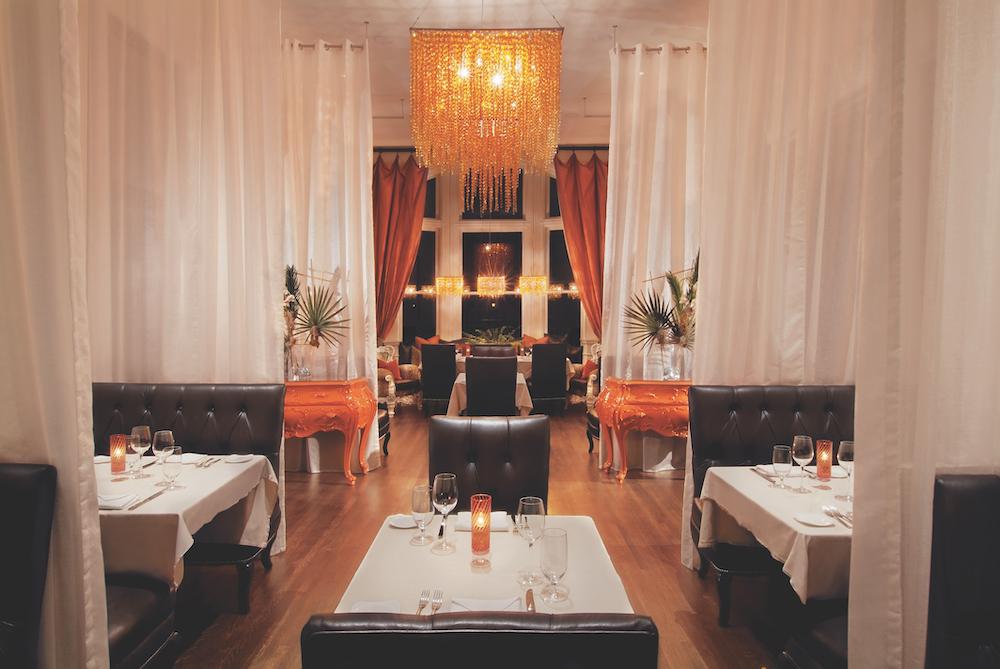 Kessler-Mansion-Dining_700Drayton_Main_Night_print